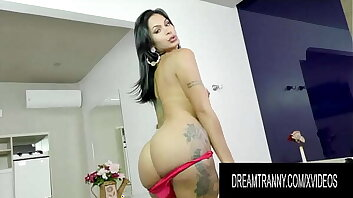 Trans Stunner Nicolly Lopes Gets Sensually Plowed by a Fucking Machine